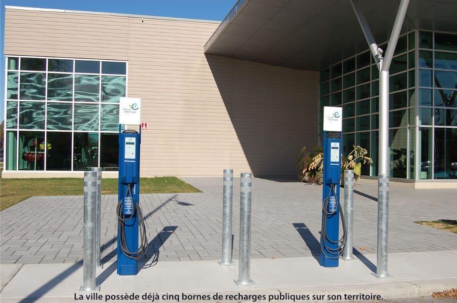 Bornes de recharge électrique à Dorval