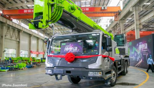Zoomlion conçoit le premier camion-grue électrique